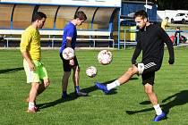 Břeclavští fotbalisté se po vynucené pauze vrátili na trávník.