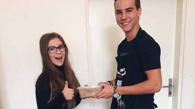 Student hustopečského gymnázia Ondřej List se staral spolužákům o svačiny.