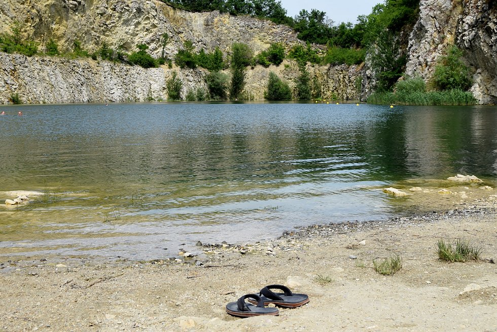 Vstup do lomu na Janičově vrchu v Mikulově je od úterý regulovaný. Najednou tam smí maximálně sto lidí. Omezení platí do poloviny září.