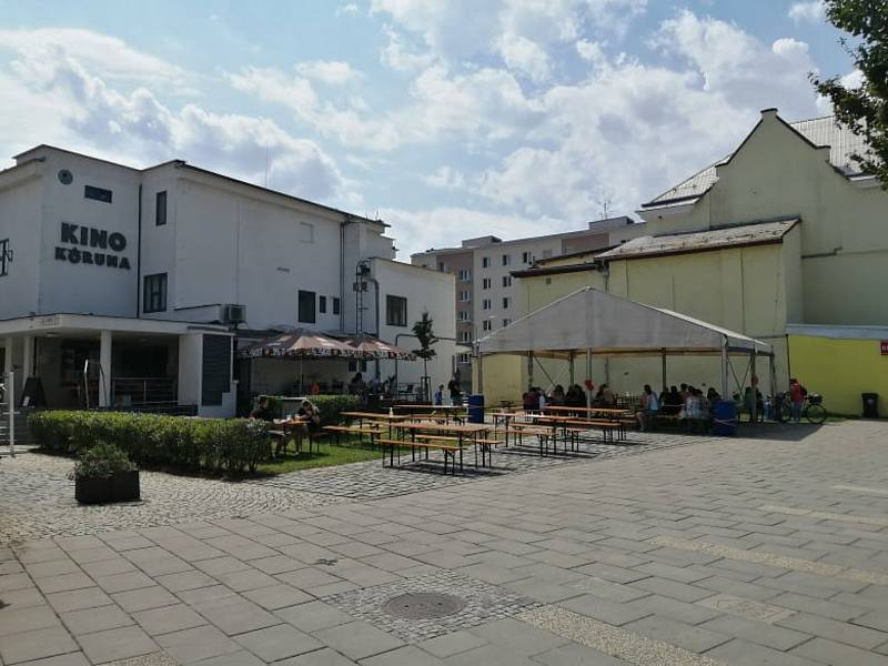 Zastupitelé a architekti z Břeclavi jednali o budoucí podobě břeclavského náměstí i proluky u Koruny.