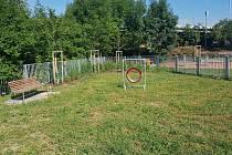Mikulovský fitness park už slouží i agility.