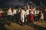 Uměleckou produkci a zábavu lidí ukončila předčasně v Moravské Nové Vsi bouřka.