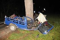 Jednadvacetiletý řidič přišel o život u lednických lázní.