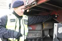 Policisté v pondělí kontrolovali na bývalém hraničním přechodu na dálnici D2 u Lanžhota kamiony přijíždějící z Rakouska. Hledali tam nelegální uprchlíky.