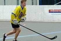 Hokejbalisté Kupkovy těží ze zkušeností hráčů hokejových Lvů.