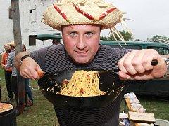 Milovníci ostrého jídla si přišli na své v sobotu pod břeclavským zámkem. Při dalším ročníku Chillifestu.