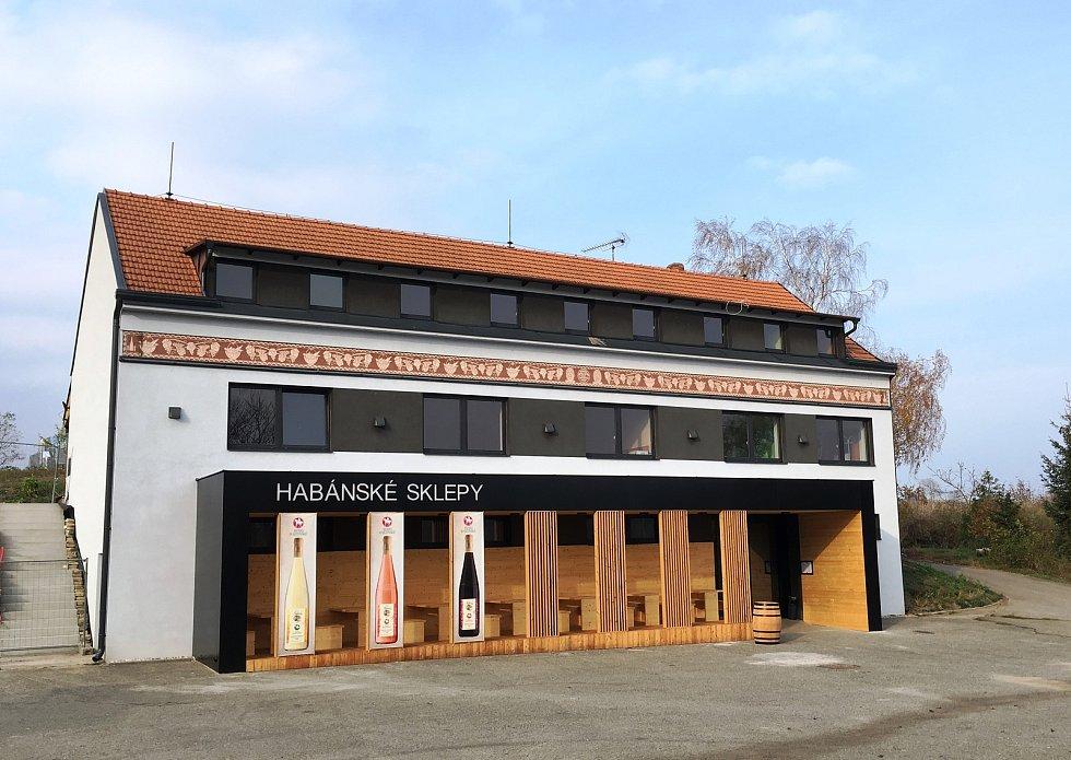 Přibližně dvacet milionů korun stála oprava budovy Habánského sklepa ve Velkých Bílovicích. Vznikla i nová vinotéka.