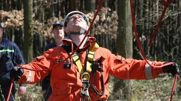 Záchranáři pátrali po paraglidistovi naštěstí pouze cvičně