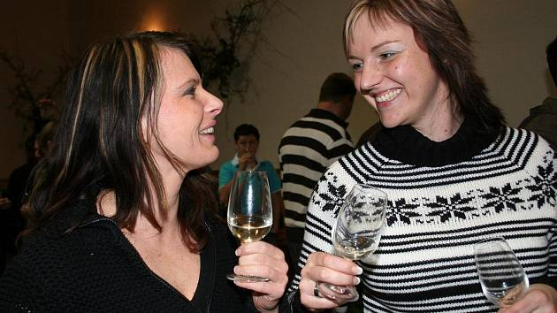 Lednové setkání s mladým vínem se v Perné uchytilo