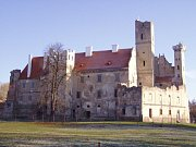 Vznikající park u zámku ozdobí jedenadvacet miniatur lichtenštejnských staveb.