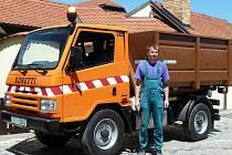 Valtičtí představili nový italský automobil pro svoz bioodpadu. Součástí dodávky je i pět velkoobjemých kontejnerů.