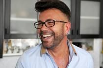 Diváky pobaví módní návrhář Laffita