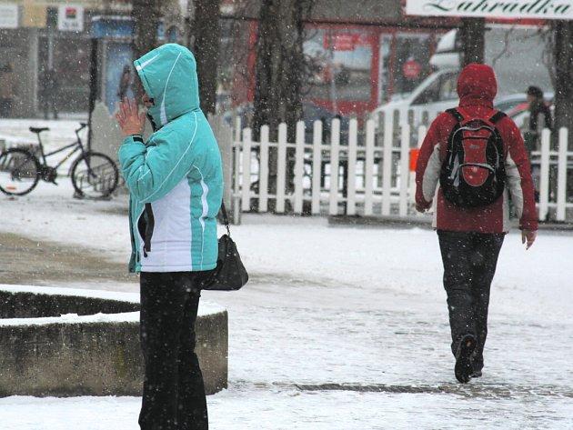 Břeclav opět zasypal sníh, ale jen na chvíli.