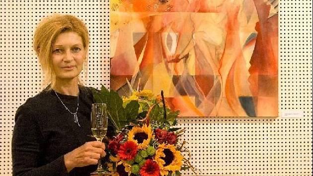 Břeclavská malířka a učitelka výtvarné výchovy na gymnáziu vystavuje své obrazy při příležitosti svých 55.narozenin.