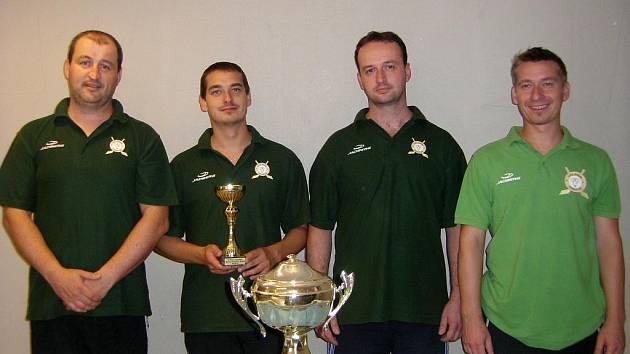 Vítězné uherčické družstvo ve složení (zleva) Libor Předešlý, Robert Tihelka, Michal Předešlý a Michal Tihelka.
