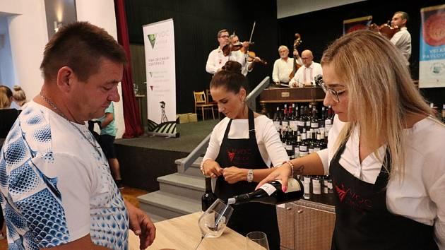 Vinaři z VOC Vinice Velké Pavlovice uspořádali druhou Promenádu červených vín.