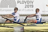 Veslaři Lukáš Helešic (na snímku vpravo) s Jakubem Podrazilem skončili na letošním mistrovství světa v Plovdivu sedmí.