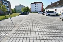 V Poštorné vzniklo nových jednačtyřicet parkovacích míst