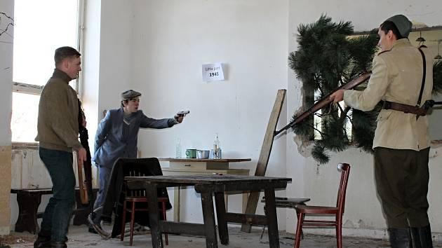 Bojová sváteční epizoda ze života strážců hranic se v Muzeu železné opony ve Valticích konala už potřetí. Navštívilo ji několik set návštěvníků.