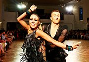 Sportovní taneční páry z Česka, Slovenska, Rakouska či Polska změřily o víkendu síly na mezinárodní taneční soutěži Jaro 2018. Klání se konalo v sále mikulovského zámku.