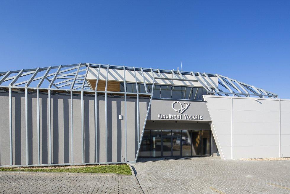 Nové sídlo má od roku 2018 Vinařství Volařík v Mikulově. Zahrnuje výrobní i reprezentativní prostory a prodejnu.