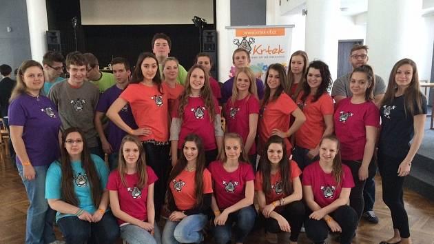 Čtvrtý ročník Apríles spojili pořádající studenti z velkopavlovického gymnázia s nadačním fondem Krtek.