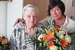 Mikulovanka Marie Kubíčková oslavila významné životní jubileum. K jejím stým narozeninám ji poblahopřála i místostarostka města Sylva Chludilová.