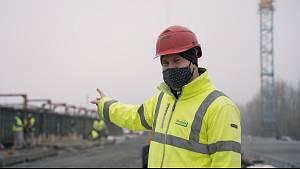 Nový most přes novomlýnské nádrže u Pasohlávek před dokončením