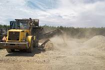 Firma neohlášeně drtila beton a přespříliš prášila. Dostala proto pokutu.