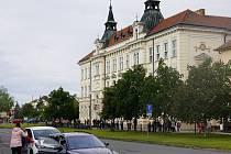 Budova takzvané Žluté školy v Břeclavi.