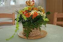 Výstava květin a květinových vazeb v Rybničním zámečku.
