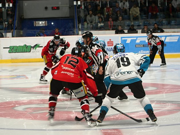 Znojemští Orli jasně porazili Linz v úvodu sezony soutěže EBEL.
