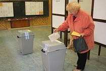 Volební místnost na jedné ze znojemských základních škol