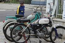 Pátý ročník setkání mopedů uspořádali členové tamního Moped teamu. Tradičního závodu se letos účastnilo pětasedmdesát borců, projeli trať dlouhou jednašedesát kilometrů vedoucí po čtrnácti vesnicích regionu.