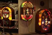 Nové muzeum v Hatích vystavuje mimo jiné stovky jukeboxů.