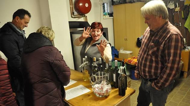 Do Chvalovic nejen za mladými víny