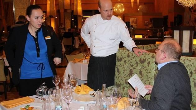 Své umění předvedl v hotelu Savannah známý kuchař Roman Paulus.