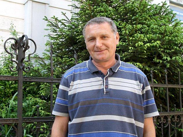 Miroslav Pavlačka podniká, obchoduje přes internet a přesto se naplno věnuje práci pro obec.