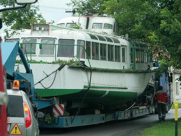Starý maďarský hydrobus.
