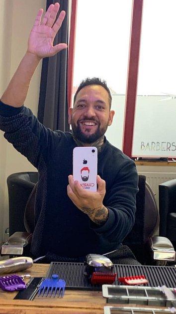 Znojemský barber Lukáš Pospíšil oslavil vdubnu rok od otevření svého podniku Barber Charisma.