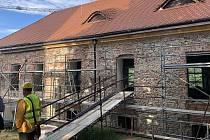 Pohled z bývalého rajského dvora (východní průčelí).