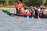 Festivalu dračích lodí na výrovické přehradě se předposlední červencovou sobotu zúčastnilo devět posádek.