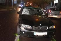 K vážné dopravní nehodě došlo ve čtvrtek po sedmnácté hodině na Pražské ulici ve Znojmě. Jednapadesátiletá žena tam přecházela silnici po přechodu pro chodce, když ji srazilo auto.