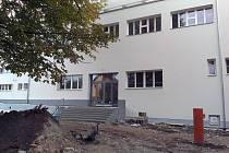 Sokolovna v Krumlova získala novou fasádu, okna i topení.