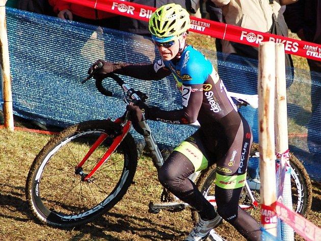 Jezdec znojemské cyklistické stáje Vojtěch Nipl Focus Cycling dojel třetí na mistrovství republiky v cyklokrosu