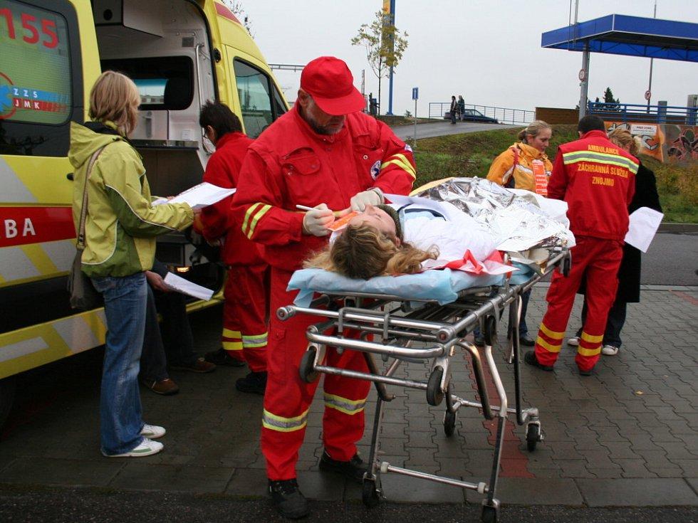 Lekaři a záchranáři si vyzkoušeli reakci na teroristický útok