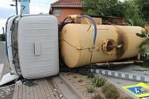 Znojemští policisté v poslední době řešili dvě kuriózní situace, kdy bourala špatně zabrzděná auta.