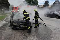 Požár způsobil na autě škodu ve výši čtyř set tisíc korun.
