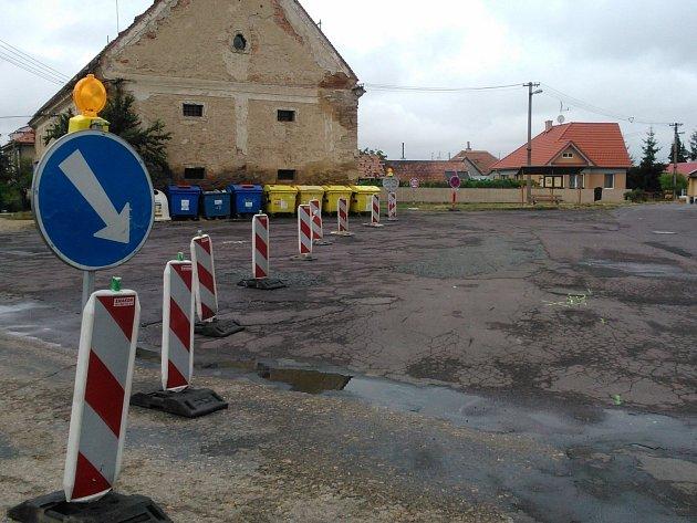 Opravy průtahu Hradiště začaly.