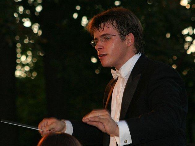 Dirigent Jakub Hrůša při zahajovacím koncertu